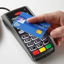 Банки и ритейлеры не могут договориться о тарифах на эквайринг