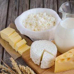 Молоко может стать причиной появления угревой сыпи