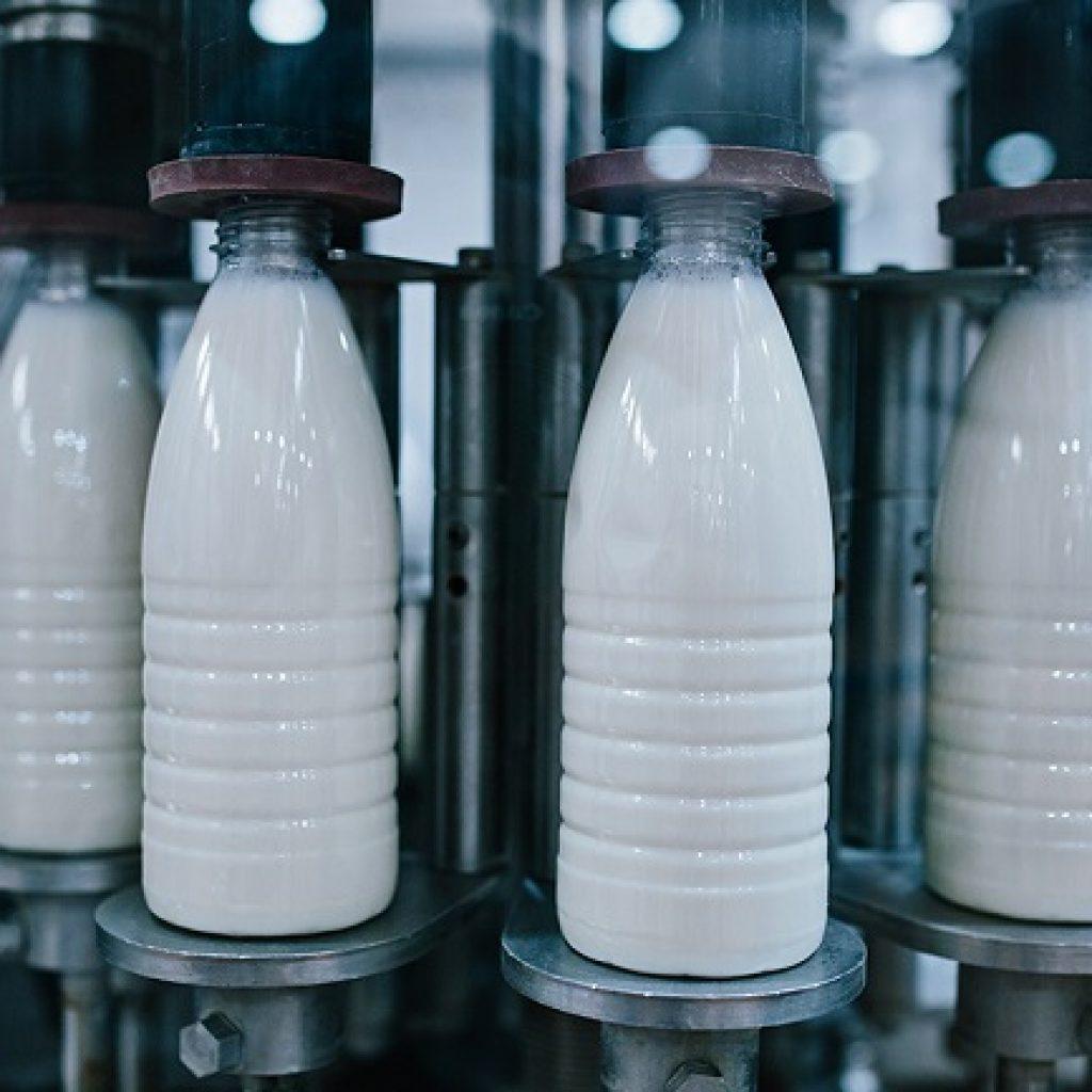 Восстановленное молоко может иметь синеватый оттенок
