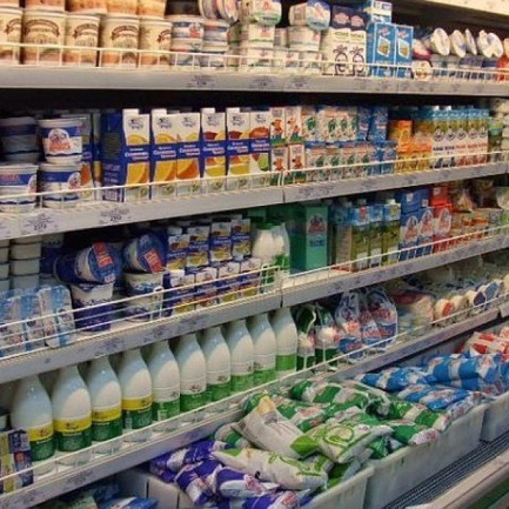 молочная продукция на прилавке